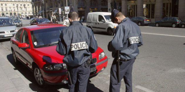 В городе Бордо семью с маленьким ребёнком выселили из квартиры и вынуждают платить штрафы за нарушение правил стоянки.
