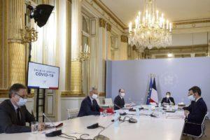 Разработка стратегии кампании по вакцинации во Франции была поручена международной консалтинговой компании McKinsey & Company, специализирующейся на решении задач по стратегическому управлени. Дело обернулось скандалом. Однако данный пример – не единственный, и руководство «нации стартапов» (Start-up Nation) часто обращается к частным фирмам в решении государственных задач. Передача функций государства сторонним частным организациям разжигает аппетиты бизнеса и ослабляет государственную власть.