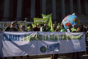 14 января суд по административным вопросам начнёт рассмотрение дела по иску под названием «Affaire du siècle». Неправительственные организации сделали беспрецедентный шаг, обвинив государство в «преступном уклонении от исполнения обязанностей» в борьбе с потеплением климата.