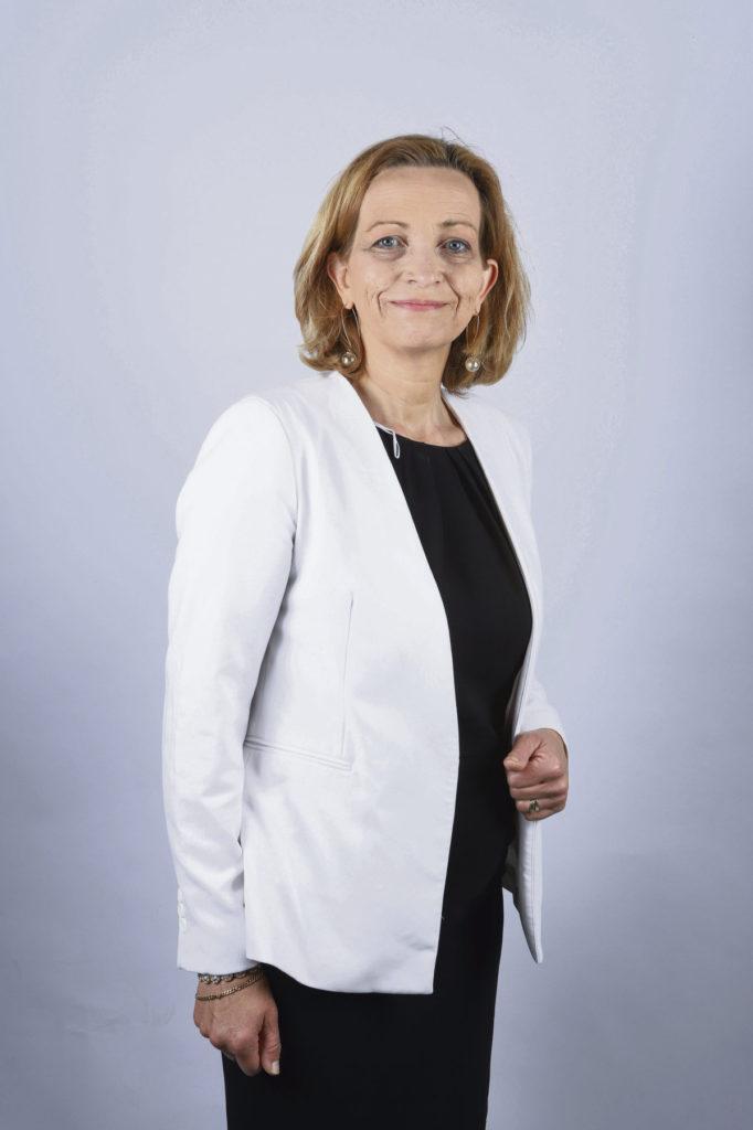 Кароль Канетт, мэр-социалист (PS) из департамента Луаре, где недавно открылся центр вакцинации против Covid-19, с сожалением говорит о том, что государство не позаботилось о логистике.