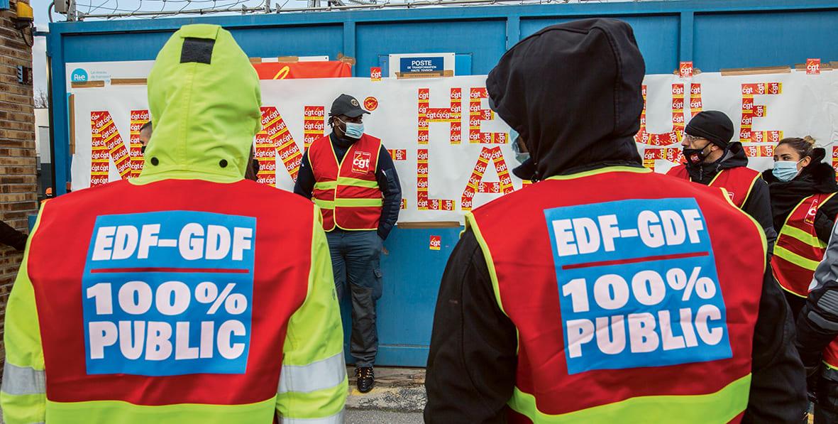 Франция и Еврокомиссия тайно обсуждают частичную приватизацию рентабельных видов экономической деятельности компании EDF и обобществление огромных инвестиций в атомную энергетику. Но все планы этих закулисных переговоров могут быть разрушены протестной активностью работников государственного сектора энергетики.
