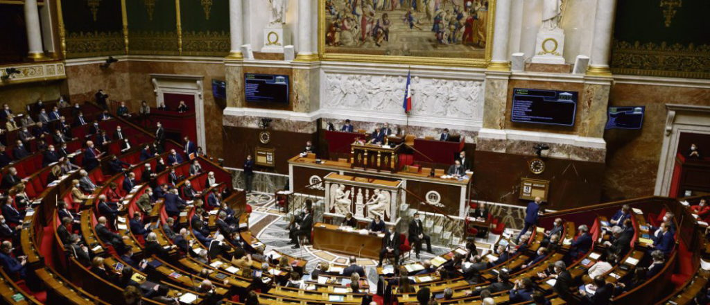 Закон «о сепаратизме» принят нижней палатой парламента Франции