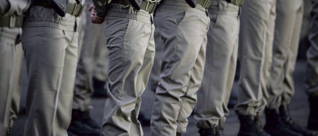 Во Франции переписка военных с властью продолжается