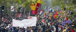 Первомай в Париже: нападение на колонну профсоюза