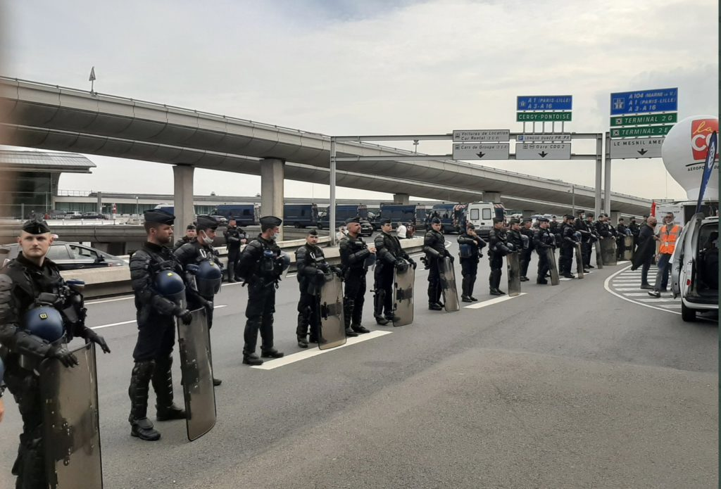 Забастовка в парижских аэропортах